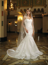 newest taffeta sleeveless elegant low cut wedding dress mermaid
