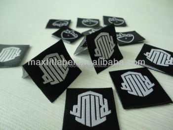 2017 High quality customized center folded clothing woven labels