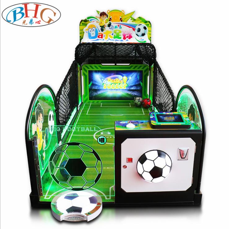 Giochi di calcio con macchine