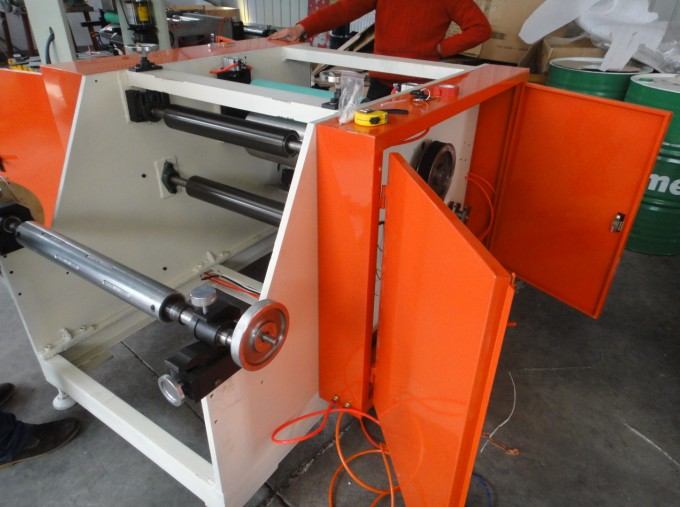 Manual aluminium foil Stretch Film Rewinder Machine Manufacturer