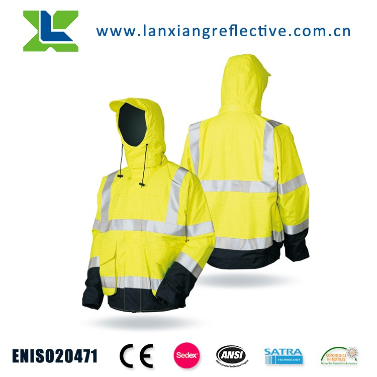 LX943 Special Style Raincoat Full Hooded Raincoat Outdoor Sports Raincoat With Rain Cover