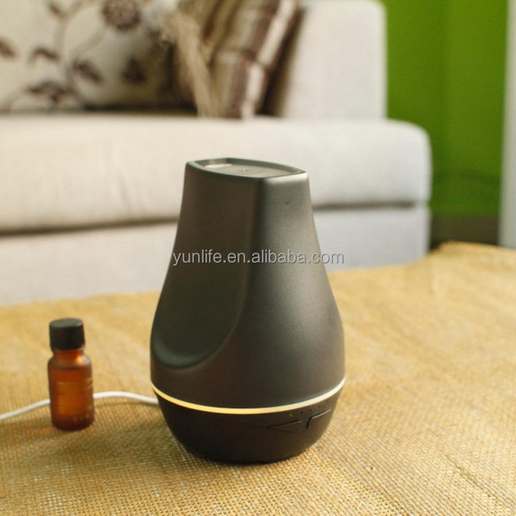Ultrasonic aroma diffuser only adding essential oil to spray fresh air