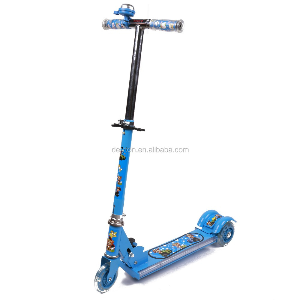 Three Wheel flashing folding kids scooters for sale with music