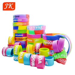 customized rubber wrist band slap bracelet maker
