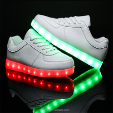 2017 Fashion colorful night safety led light running shoes