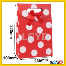 Beautiful Red and White Polka Dot Pattern Gift Paper Bag / Gift Package (Size: 235x100x320mm)