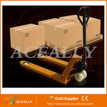 Heavy duty moving hand pallet truck tailgate wheel lift
