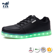 2017 wholesale free sample Customized design colorful led shoes