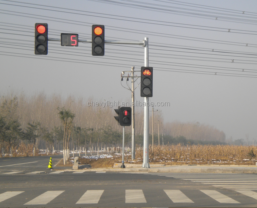 High Quality LED Traffic Light and Octagon Light Pole Supply from Factory