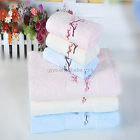 Top Quality Super Cheap Embroidery Flower Pattern 100 Cotton Plain Dyed Hand Towel Face Towel Wholesale