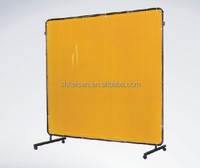 Welding protective curtain
