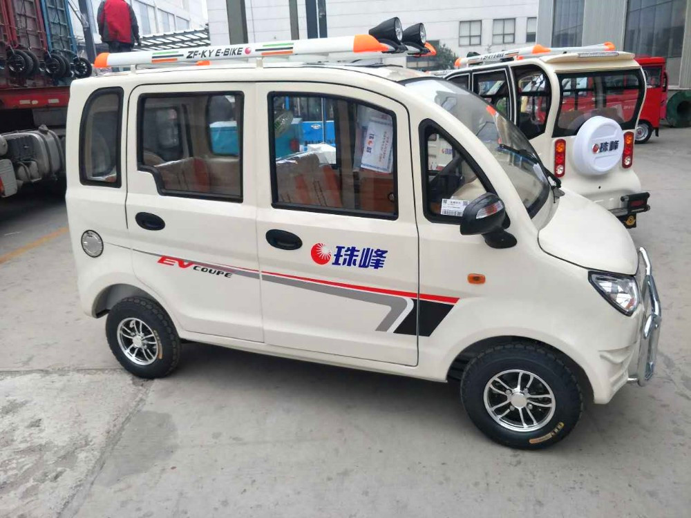 Hot selling china adults electric used car for old people vehicles DF12