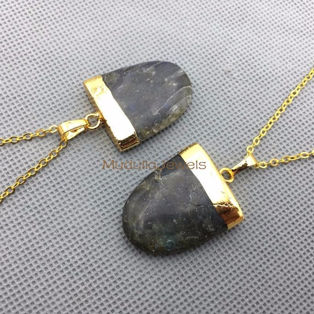 PM4384 New Design Labrodorite Pendant Necklace Gold Plated Tongue Shape Chains Labradorite Arrowhead Charm In 30*24mm