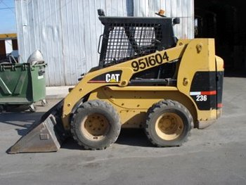 Used 2002 Caterpillar 236 Skid Steer Loader