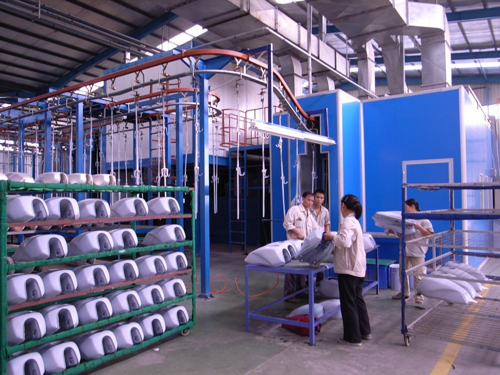 Automatic electrostatic spray painting line