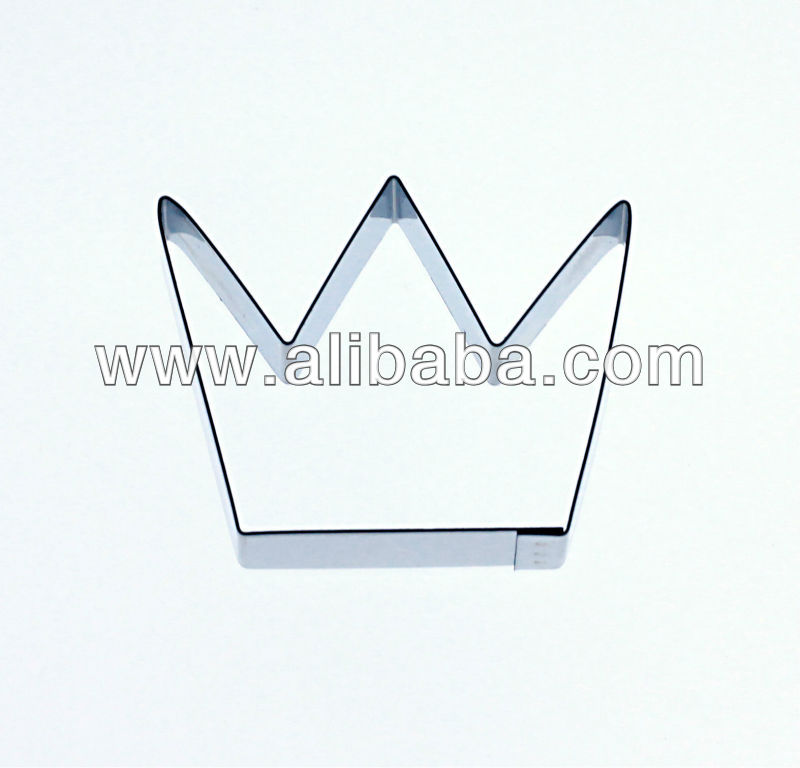 Sugarcraft & Cake Decorating Cutter - Crown cutter for Cupcakes or Celebration Cakes