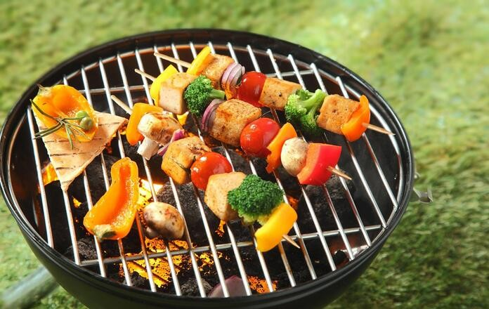 Barbecue short and long bamboo skewers
