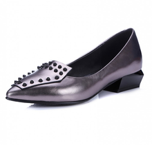 Fashion design women shoes elegant fancy flat pointed toe rivet lady casual shoes