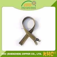 China New Design Popular Plastic Zipper Lanyard