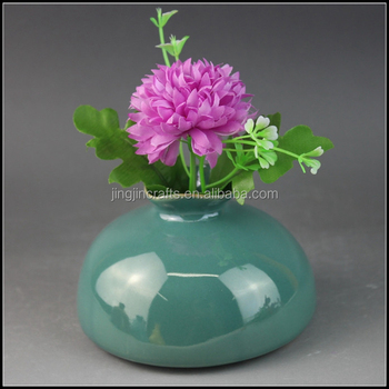 2017 North America and Europe trendy green mini stone vase