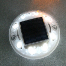 Cheap plastic body material solar road stud with Customized