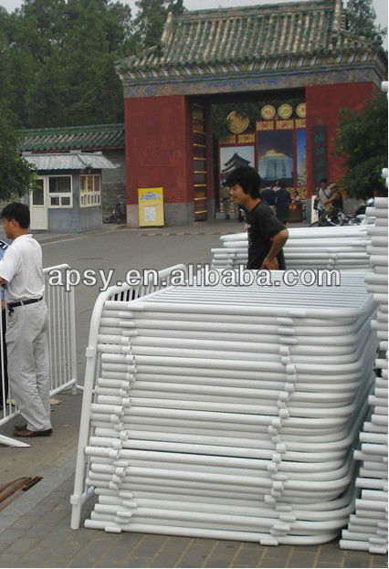 road pedestrian barrier (hot dipped galvanized with reflective strip)