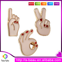 Wholesale China Yiwu Trendz Alloy Electroplating Enamelled Gesture OK Peace One Brooch Pin Set
