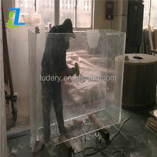 Manufacturer supplies exquisite small acrylic aquarium