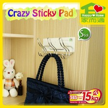 crazy sticky pad dormitory organizer no more nails picture hanging