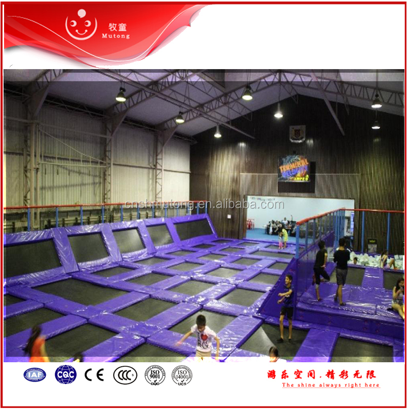 CE TUV approved Commercial trampoline parks with foam pit
