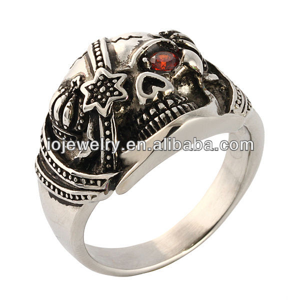 High quality pirate skull ring with garnet crystal