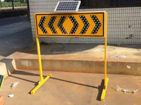 Road Lane Closed Traffic LED Solar Flashing Arrow Board Road Direction Signs