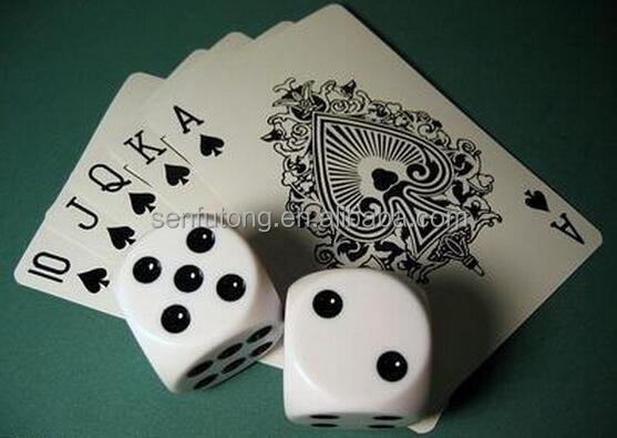 Paper playing card with acrylic dices