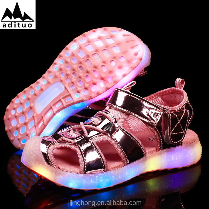 New Style Summer Comfortable Kids Led Sandal Light Up Shoes size 26-37