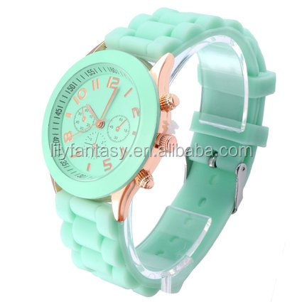 MOQ 100pcs in Your Logo Factory wholesale china watch silicone mens womens watch mixed color