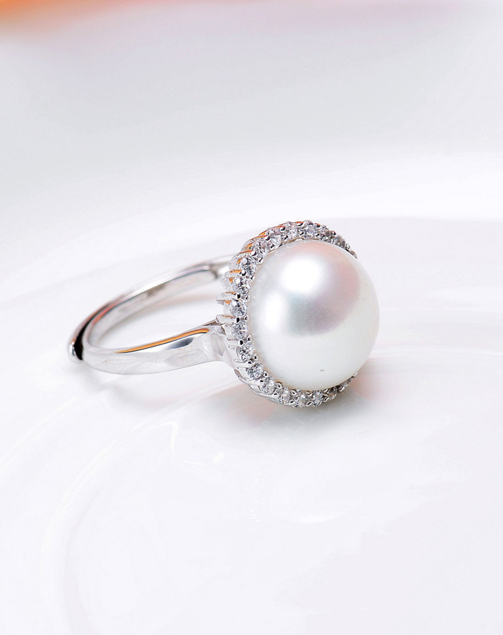 White Pearl Ring Mm