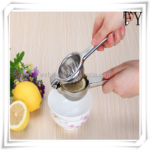 Kitchen Bar lemon lime orange squeezer