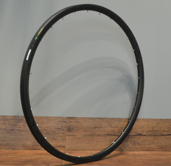 CARBONICIAN 29er xc 27mm wide lightweight tubeless ready tapeless clincher 29er xc mtb carbon rim