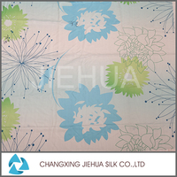 China wholesale chiffon floral pattern print fabric with quilted coverlet