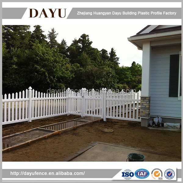 Low Cost High Quality Molded Plastic Fence Panel