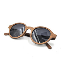 Latest models fashion ladies wooden sunglasses.