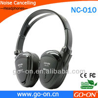 custom noise reduction headphone with adaptor can be used to be airplane