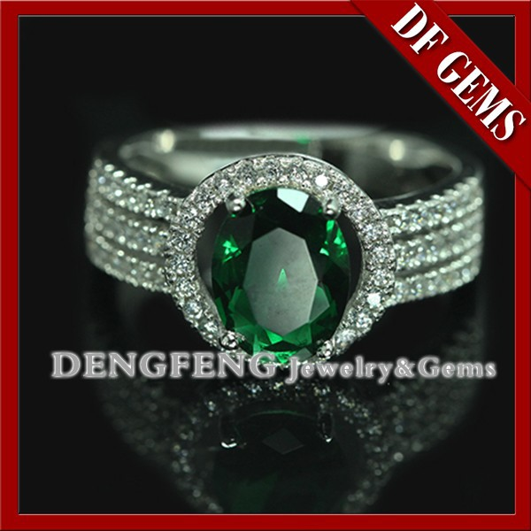 Top Quality 925 Sterling Silver Jewelry with Emerald Gemstone Ring