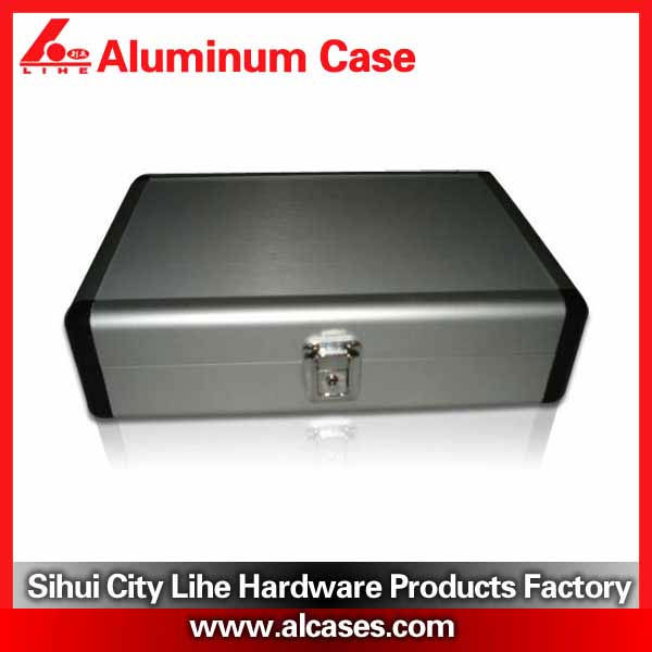 Aluminum frame wholesale tool boxes with lining customize