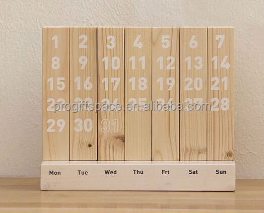 2017 new handmade gift decorative wall crafts X-mas wholesale home stand ornament children wooden desk calendar made in China