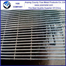 buy direct from china factory anti-climb anti-cut fence/ outdoor security fence/ plastic lattice fence