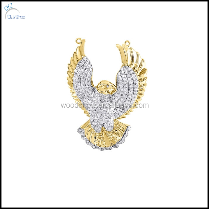 Fashion 14k gold lab diamond soaring eagle pendant