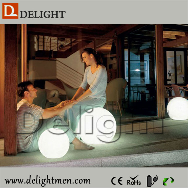 Alibaba China glowing rechargeable colorful solar led ball light outdoor