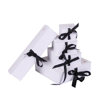 Custom white color jewelry set packaging box with insert
