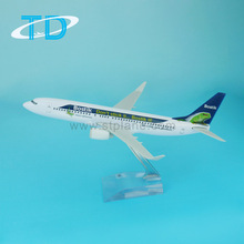 B737-800 scale 1:200 19.7cm mini boeing aircraft